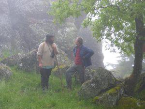 Discussions dans la brume